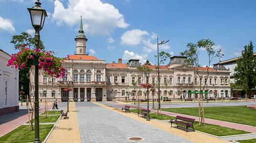 Turistička ponuda - Zgrada opštine Bečej i zadužbina baronice Eufemije Jović - Prva foto